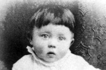 Hitler bebé